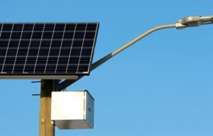 empresa-postes-solares-02